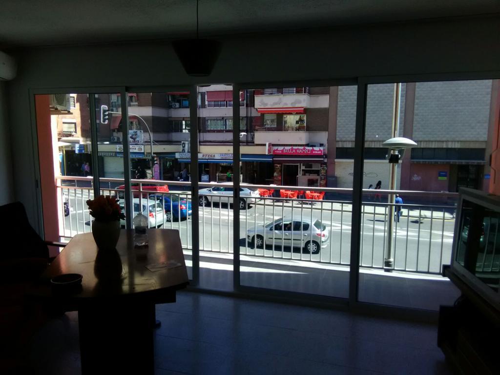 Piso en centro de benidorm zona cruce for Pisos de bancos en benidorm
